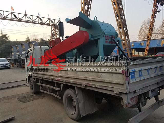 发往华北科技学院移动式树枝粉碎机