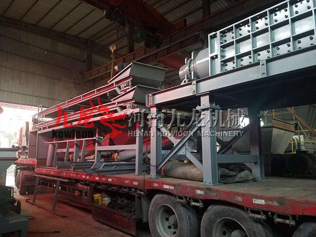 发往福建大型木材粉碎机生产线