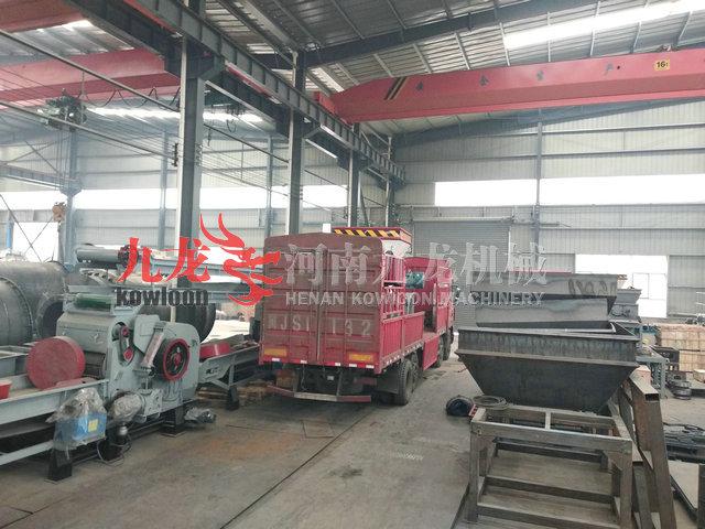 发往河北沧州的撕碎机发货现场(图)