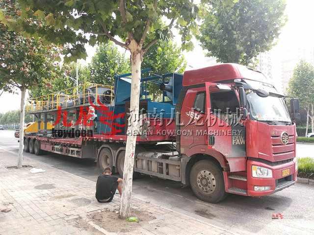 发往江西宜春的废旧轮胎撕碎机生产线